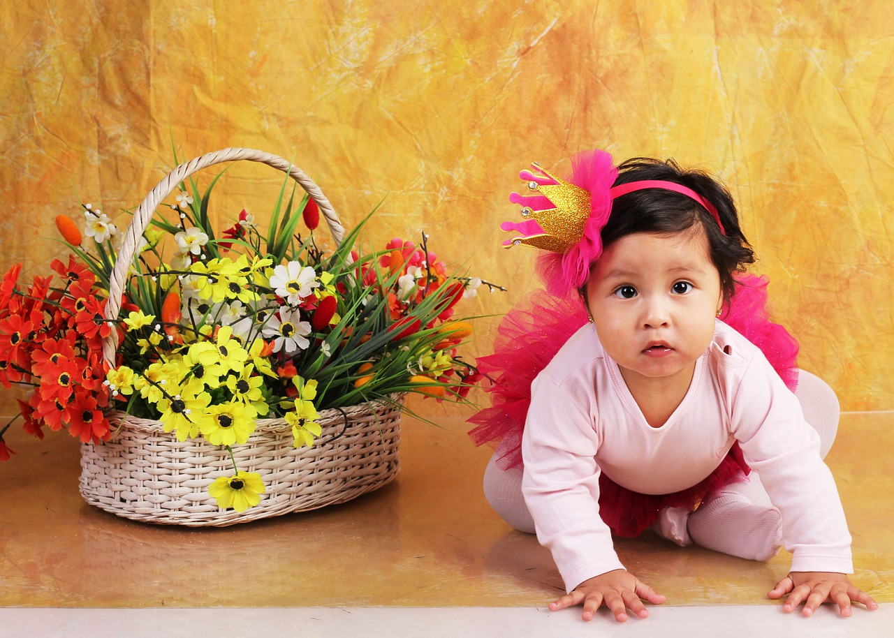 Ways to Encourage Baby To Crawl - The Nursery Collective